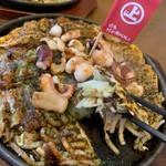 上田お好み焼 - 料理写真:海賊焼き うどん&ソース