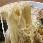中華そば八千代 - 麺あげ