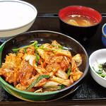 花水木 - 豚キムチ定食 2019/11/07