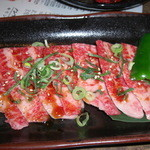 家族亭 韓炉 - 牛ささみ カルビとロースの間のお肉らしい とても柔らかくて何枚でも食べれます