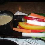 家族亭 韓炉 - バーニャカウダ アンチョビ ガーリックの本格的な味でした。野菜が沢山食べれました
