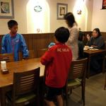 11953921 - お店中央の広めのテーブル