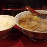 中華一番 - チャーシューメン麺大盛り790円ライス180円