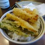 よ志竹 - 天ぷらセットで天丼に