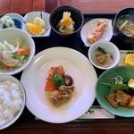 からつ - 料理写真:日替わり 1200円 (コーヒー付)