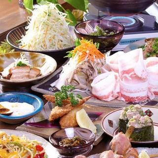 定番の沖縄料理、こだわりの創作料理