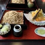 めん処 奈良 - 料理写真:私は野菜天もり蕎麦 1050円