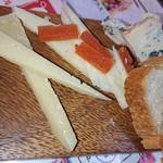 Boqueria - チーズの盛り合わせ