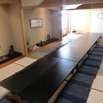 膳処くろひめ - 2F和室席3部屋つないだ状態です。座布団敷き、腰かけテーブル式にもできます。
