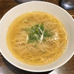 119566356 - 「美瑛産小麦の塩らぁ麺」1000円