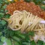 台湾らーめん 福福 - 麺