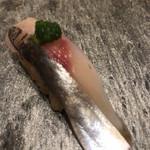 上野 榮 - おためしコース9000円。釣りアジ。弾力のあるムッチリした身が、葱と生姜の薬味で美味しさを引き出されて、とーっても美味しかったです(╹◡╹)(╹◡╹)