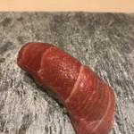 上野 榮 - おためしコース9000円。づけ。塩釜産本マグロの赤身を使っていると説明がありました。マグロの旨味が口いっぱいに広がって、私の人生最高の美味しさでした(╹◡╹)(╹◡╹)(╹◡╹)