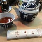 井泉 - お茶は急須で出てきます
