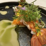 Grand rocher - 静岡県駿河湾産手長海老のグリル オレンジとコリアンダーのソース バジルオイルのソース