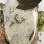 Grand rocher - 北海道産牡蠣のポシェ 牡蠣出汁の泡のソース