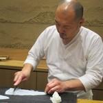 鮨旬美西川 - 大将の所作。(撮影許可を頂いています)     2019.11.02