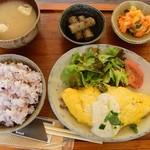 knut - 豚しょうが焼きチーズオムレツ・豆腐ソース