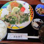 とんぼ亭 - 豚とろ定食 1100円