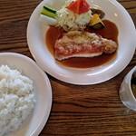 マシュウ - 料理写真:本日のランチ大盛り880円