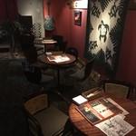 ロコ イマナス - 内観写真:連結席で最大12名様のテーブル席