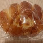 119596239 - クリームパン