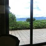レストラン シャンモリ - 窓側の席の眺めは良いです!