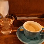カフェ キッチン TDF - コーヒーとローズヒップ水
