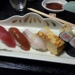 119605482 - お寿司