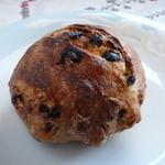 Alycia - くるみとレーズンのパン(自家製酵母)