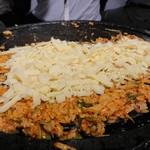 とんちゃん - キムチチャーハン チーズトッピング