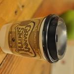 GRANNY SMITH APPLE PIE & COFFEE  - ホットドリンクはこちらのカップでお渡しします。こちらがShortサイズです。
