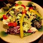 泡盛と沖縄料理 Aサインバー - ゴーヤとツナのサラダ 800円