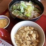 ヒカリ - 豚ネギ蕎麦と鶏めし 980円