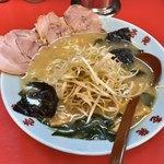 壱発ラーメン - ネギラーメン 麺半分 750円 麺カタメで