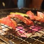 松阪牛炭火焼肉まる良 -