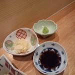 119645140 - お醤油・ガリ・山葵