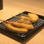 Gamagoorikikyouya - 串揚げ盛合せ(小)(タマネギ、豚、牛、海老、カボチャ)