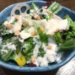 鶏屋 白羽鳥 - 季節野菜十品目のシーザーサラダ