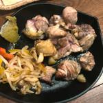 鶏屋 白羽鳥 - 天草大王 もも肉炙り焼き