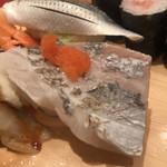 まぐろ一代 - 炙り太刀魚200円。握る前に炙り直せばいいのに。。。好きなので美味しかったですよ(^。^)(笑)