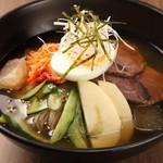 ホルモン焼道場 蔵 - 冷麺