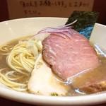 亀戸煮干中華蕎麦つきひ - 料理写真:中華蕎麦 850円