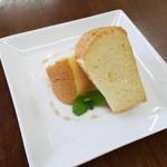 カフェ デルファ - シフォンケーキ450円