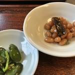 與五郎 - 自家製の大豆の煮豆と、きゅうりの漬物(2019.11.14)