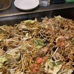 ぽん太 - 料理写真:太麺で美味しい