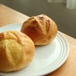 119692484 - 塩バターパン ¥120