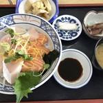 大阪屋 - 醤丼(ひしおどん)(さしみ丼)