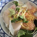 大阪屋 - 醤丼(ひしおどん)(お醤油をかける前です。)