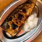 立呑み 晩杯屋 - サバ塩焼き
